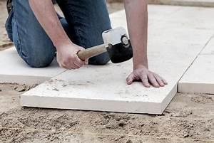 Betonplatten Verlegen Auf Erde : terrassenplatten richtig verlegen ~ Whattoseeinmadrid.com Haus und Dekorationen