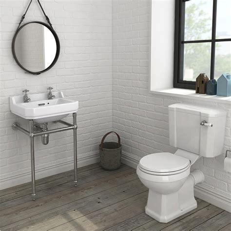 keswick  piece traditional bathroom suite