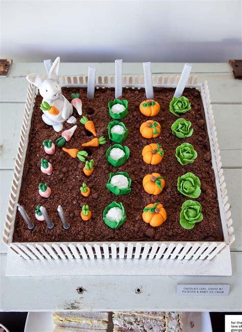 Garden Decoration For Cake by Best 25 Vegetable Garden Cake Ideas On