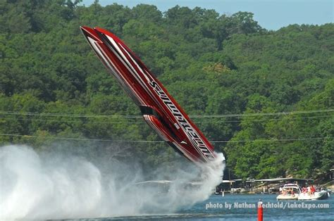 Boat Crash Lake Of The Ozarks 2018 by Outerlimits Catamaran Goes Airborne In Horrifying Shootout