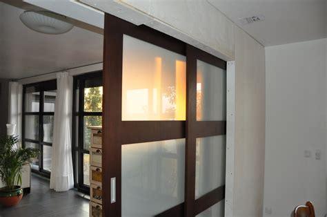 grande porte coulissante interieur galandage 2 le de soso construction maison bois