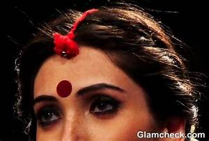 Traditional & Contemporary Bindi Styles For Indian Women