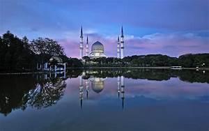 Malaysia Selangor Water Reflection Wallpaper