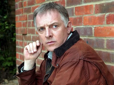 rik mayall   death comedian suffered  heart