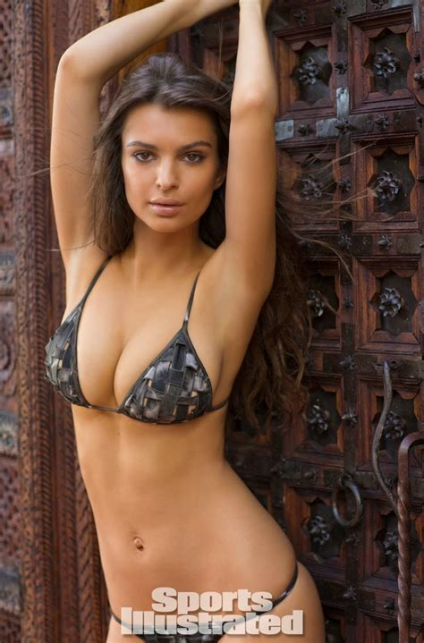 Emily Ratajkowski shows off body paint bikinis for the ...