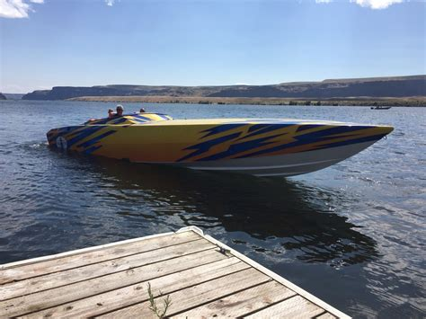 Cigarette Boat In Rough Water by Cigarette Gladiator Boat For Sale From Usa