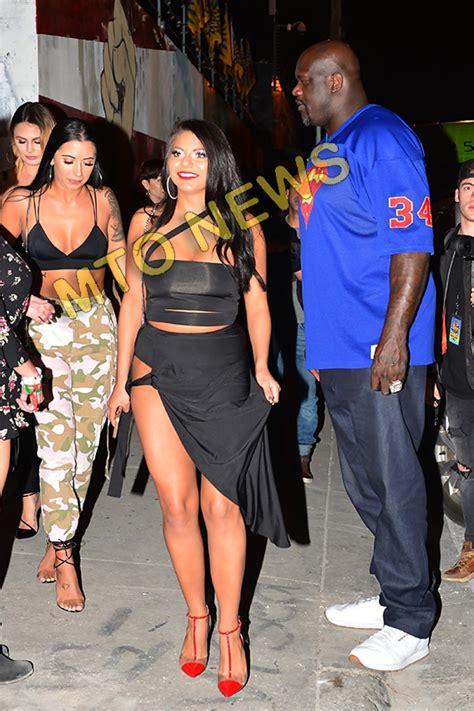 shaq escorting  thick white girls   club