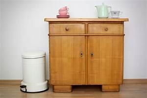 Kleiner Tisch Mit Stühlen : kleiner k chenschrank aus den 50er jahren raumwunder vintage wohnen in n rnberg ~ Markanthonyermac.com Haus und Dekorationen