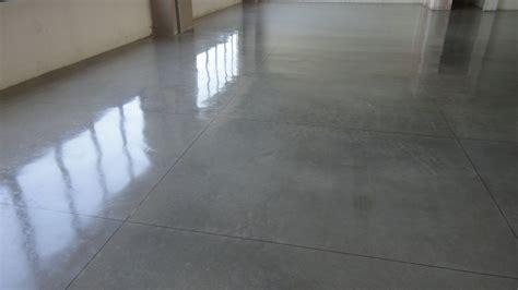 lucidatura pavimenti cementolevigatura pavimenti