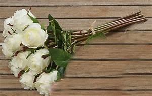 Deko In Weiß : rosenstrau rosenbouquet aus kunststoff 10tlg deko strau in weiss ~ Yasmunasinghe.com Haus und Dekorationen