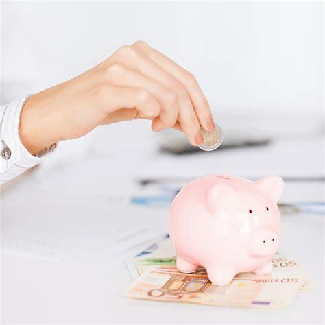 Kā ietaupīt naudu bez liekām grūtībām? | VIASMS.LV