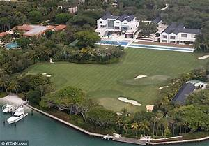 A gaping gap in Tiger Woods' $60 million mansion puts