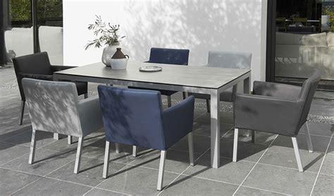 chaise de salon de jardin choisir et entretenir un salon de jardin en aluminium