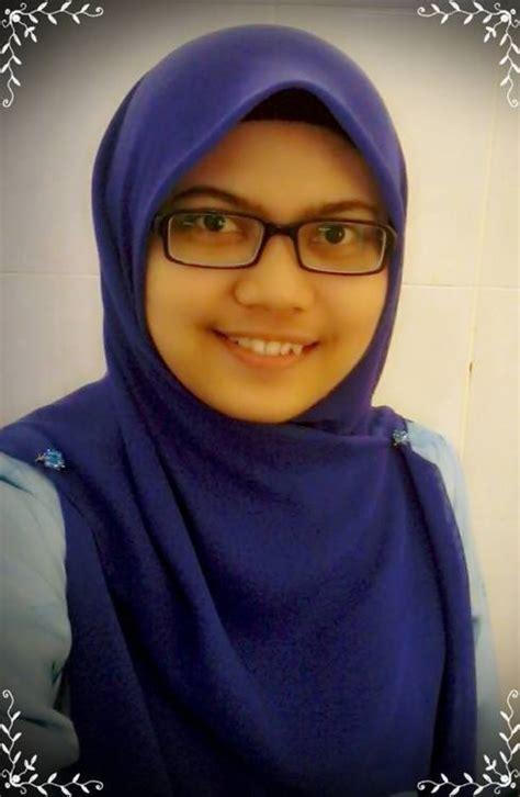 Tudung Bogel Tunjuk Kelentit Hijab Merah Gambar Bogel