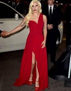 Lady Gaga Deja Atrs La Excentricidad Y Sorprende Con Elegante Vestido En Premiere De AHS Hotel