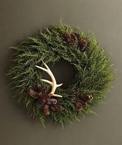 Een kerstkrans of kerststuk maken | Woonnieuws | Pinterest ...
