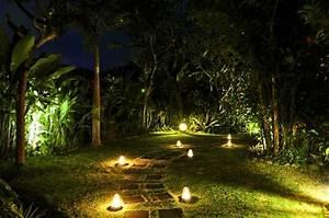 lumiere exterieur pour jardin terrasse et balcon un jeu With eclairage allee de jardin