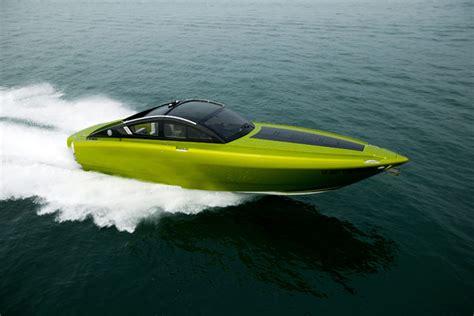 Cmd Boats by Cmd Marine Revolver R42