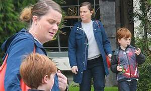 Amy Poehler picks up adorable son Abel from WeHo play date ...