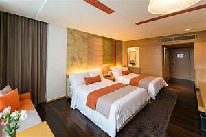 What Is The Speed Of Light Through A Vacuum Deluxe Room Luxury Hotels Pathumwan Princess Bangkok