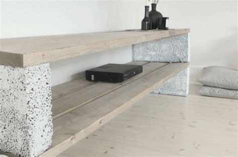 Schrank Bauen Diy by Cinder Block Shelf With Planks Sigi Diy M 246 Bel Schrank