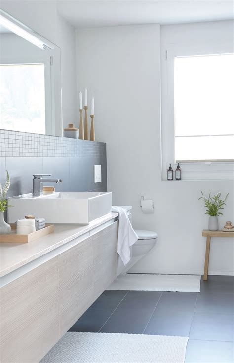Badezimmer Fliesen Kombination by Einblick In 2019 Bathroom Design Bathroom Bathtub