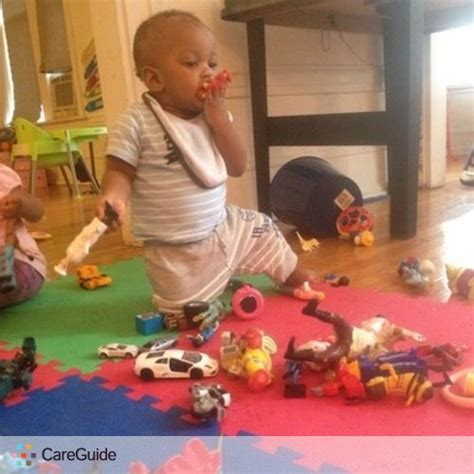 excellent child care assistant available 386 | sitter nicole burgst chicago a5ff2184
