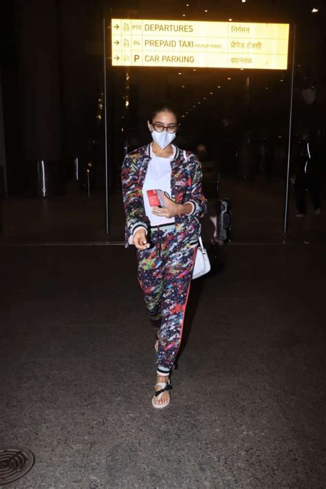 Sara Ali Khan nails her airport look in comfy tracksuit