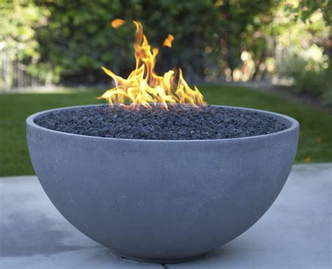 choosing  outdoor fire pit