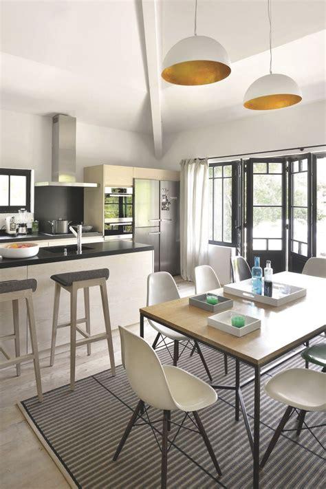 cuisine ouverte sur salle à manger et salon idées pour une cuisine semi ouverte portail maison