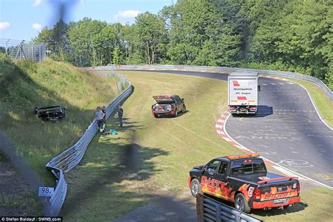 koenigsegg one 1 crash koenigsegg one 1 hypercar in huge crash at the nurburgring