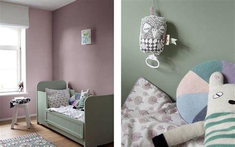 warm door het paars met groen te combineren kidsroom