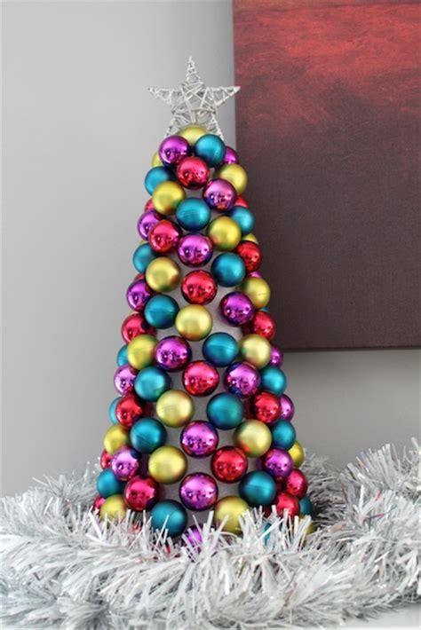 simply modern ornament tree tutorial