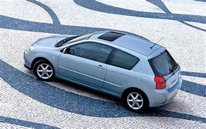 Toyota Corolla 2002 : toyota corolla 3 doors specs photos 2002 2003 2004 autoevolution ~ Medecine-chirurgie-esthetiques.com Avis de Voitures