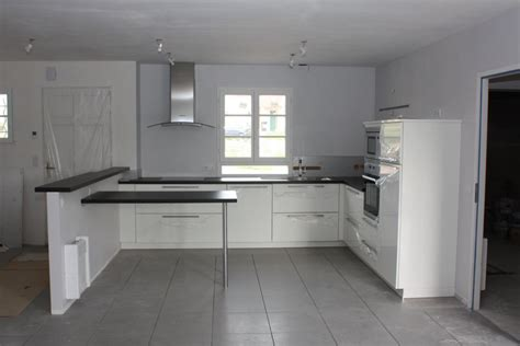 cuisine gris clair et blanc emejing cuisine avec carrelage gris photos design trends