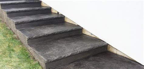 Custom Concrete Stairs   STDC