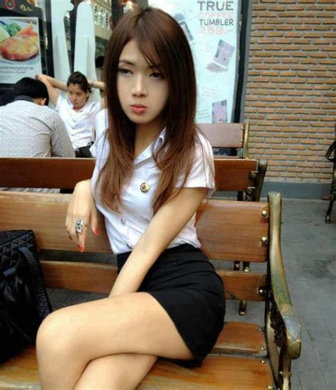 Thai university schoolgirls sexy in their uniforms | Nude ...