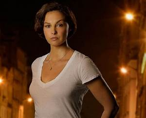 Ashley Judd takes a powerful stand against internet ...