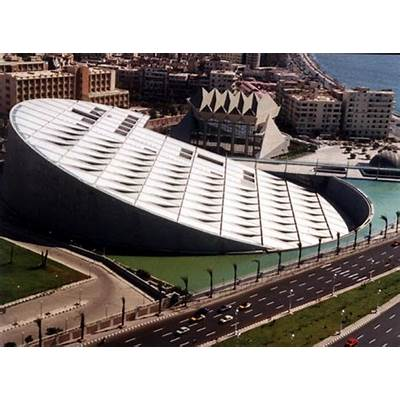 Top 33 World's Strangest Buildings (sorted by 4.520