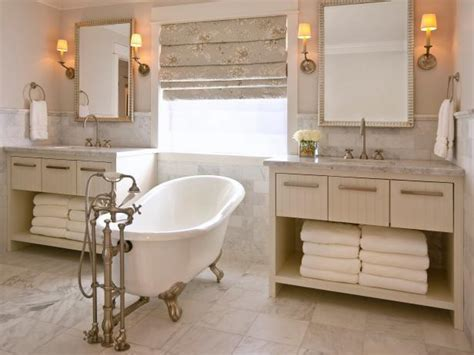 Ideas For Bathrooms With Clawfoot Tubs by Clawfoot Tub Designs Pictures Ideas Tips From Hgtv Hgtv