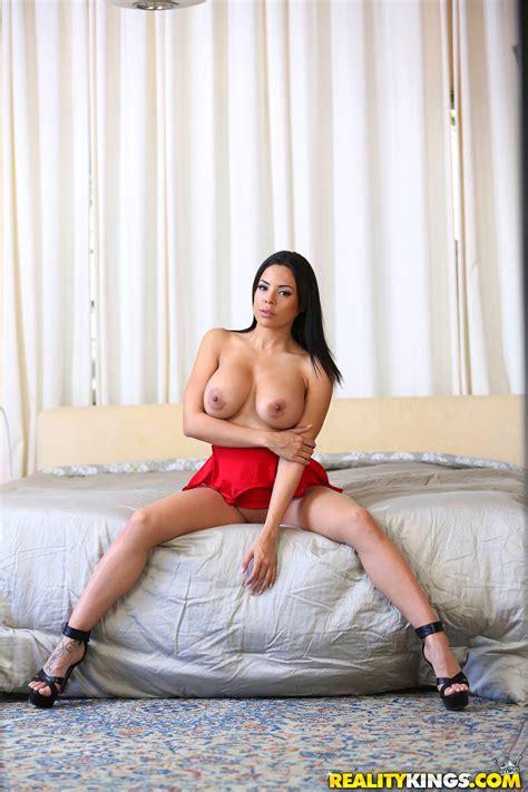 Latin Chick Took Off Her Red Dress Photos Luna Star Milf Fox