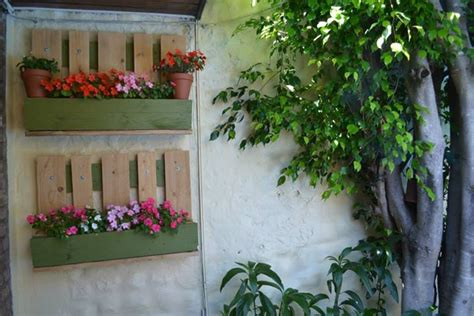 Patio Plant Stand Ideas by Create An Outdoor Plant Stand With A Pallet Pallet Ideas