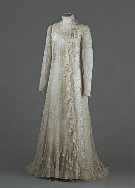 robe de chambre arthur ré 39 s tea gown palais galliera musée de la mode de