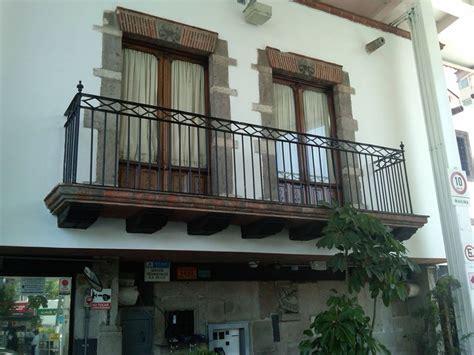 balcones de cantera tipo mexicano  mi casa de malinalco pinterest  balcony adobe