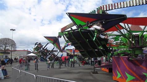 Hang Gliding Ride at Puyallup Spring Fair - YouTube