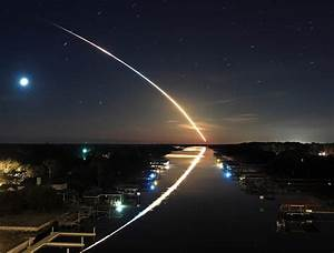 What a Space Shuttle Launch at Night Looks Like - Graphic ...