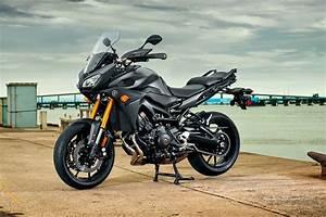 Yamaha Mt 09 Tracer : 2015 yamaha fj 09 three cylinders of budget touring asphalt rubber ~ Medecine-chirurgie-esthetiques.com Avis de Voitures