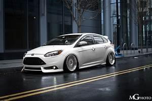Ford Focus Mk3 Tuning : front ford focus st mk3 in frozen white colour tuning low ~ Jslefanu.com Haus und Dekorationen