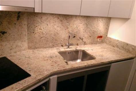 plan de travaille cuisine pas cher plan de travail granit pour votre cuisine et salle de bain