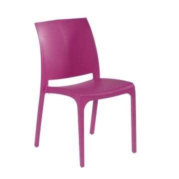 chaise de jardin en resine object moved